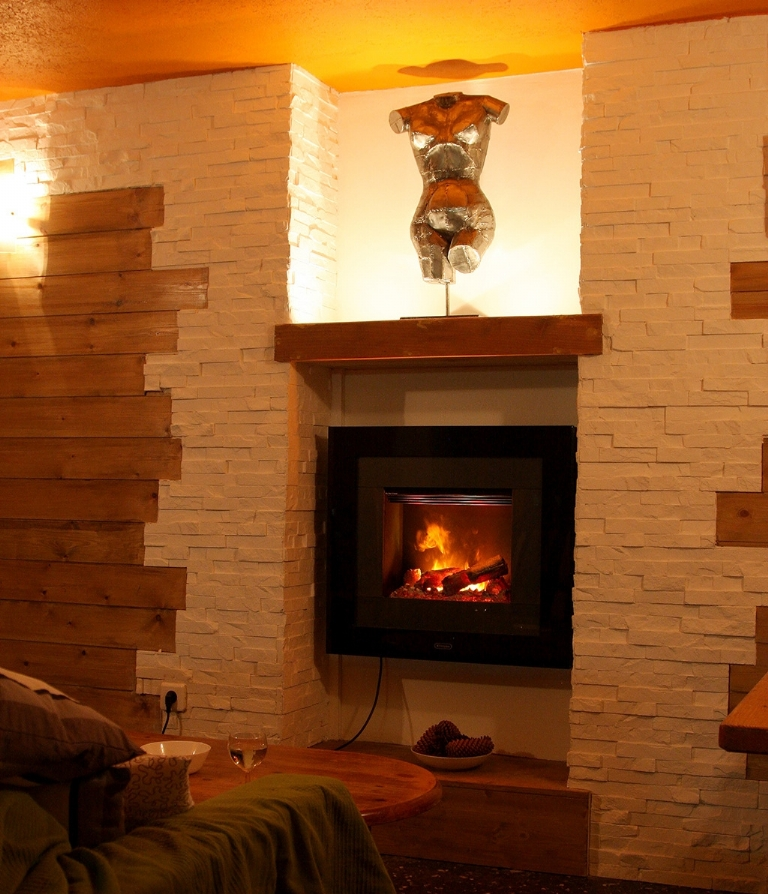 Cosy, Catered Chalet