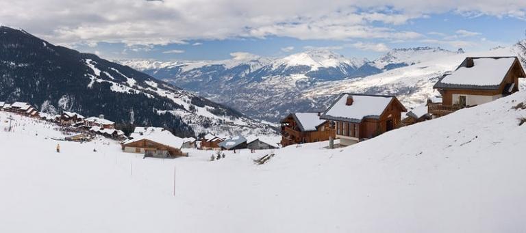 2.Doorstep Skiing