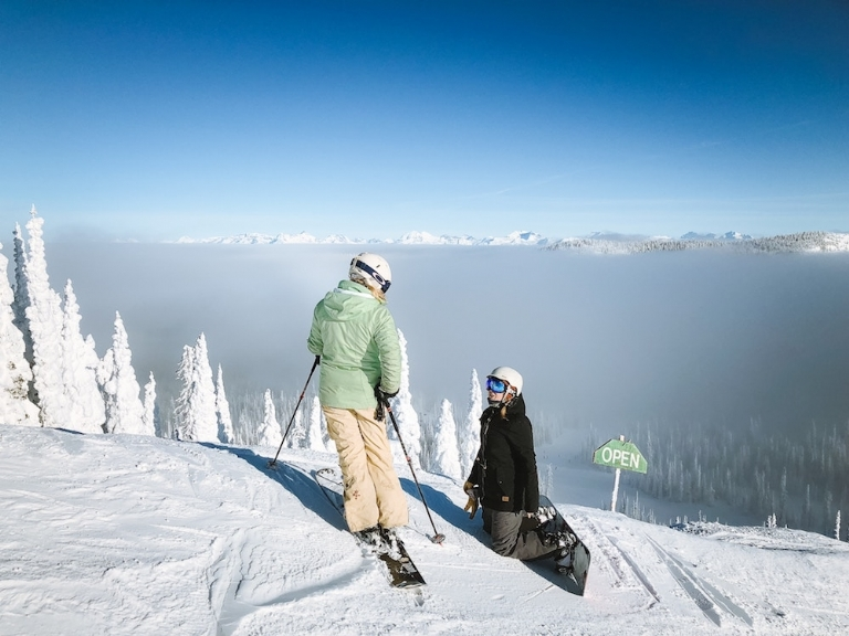 Skiing or Snowboarding: Which Do I Choose?